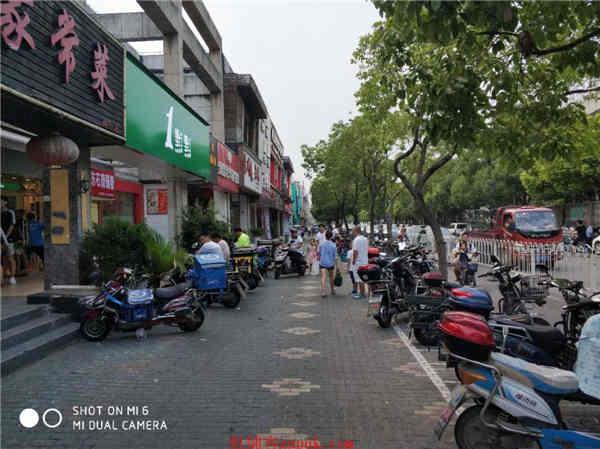 浦东高行沿街重餐饮旺铺 执照齐全通水电煤接手可营业
