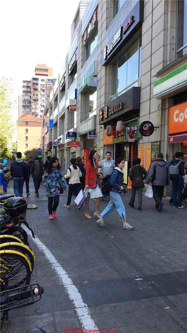 静安沿街一楼奶茶小吃旺铺 十字路口人流密集 急转