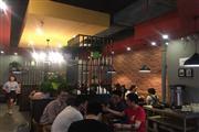 青阳区富力广场 进门第一街餐饮店