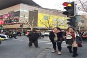 临近南京东路步行街 适合各类轻餐饮无油烟 有煤气