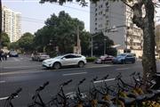 人民广场沿街50平 5米门宽 奶茶果汁混沌早餐人多