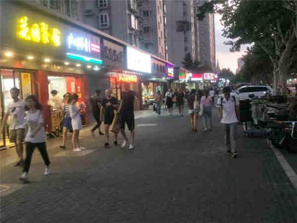 闵行颛桥大型商业综合体招商。餐饮,零售,教育,健身,美容养生。