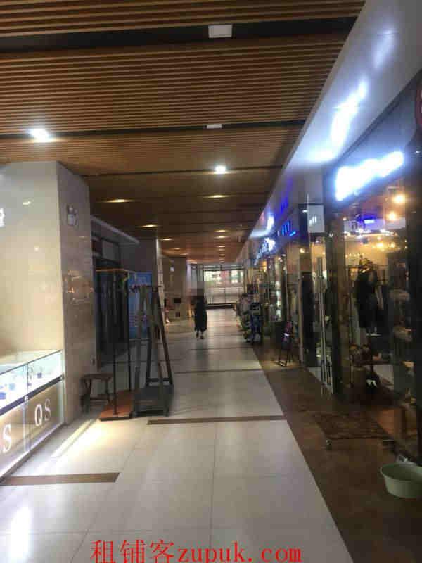 花果园国际中心59平旺铺房东直租