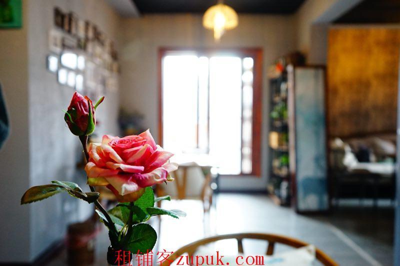 花果园一期4年盈利私房菜餐厅转让
