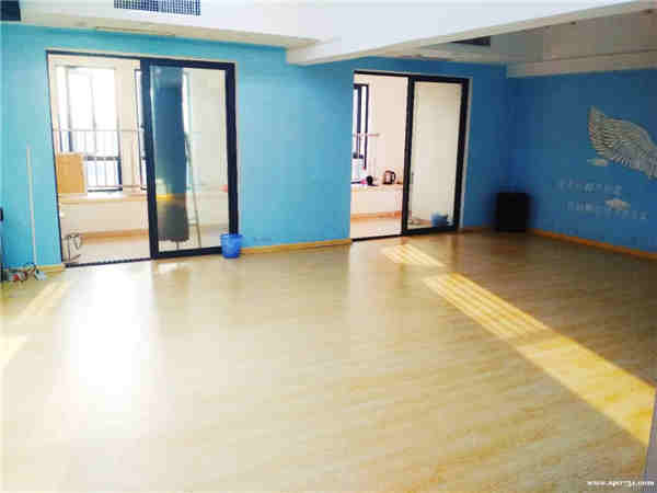 长沙天心区汇金国际精装舞蹈工作室转让
