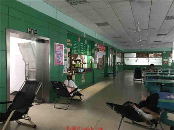 长沙商学院校内食堂20㎡餐饮店优价转让!客源稳定