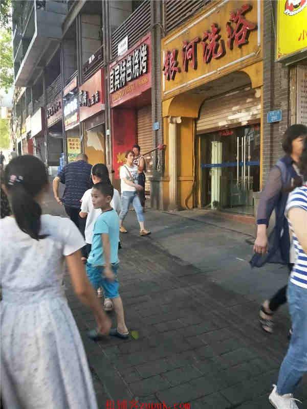 (水电气三通)渝北回兴临街主干道特色餐饮转让