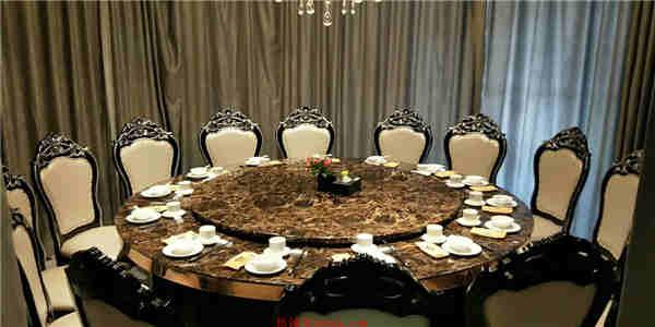 低价急转盈利中高档餐厅