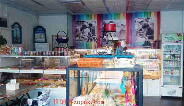 深圳宝安福永商业街路口面包蛋糕坊出兑转让