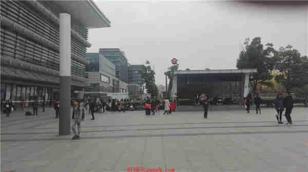 南京火车站汽车站北广场精彩天地美食广场一楼50-100平米