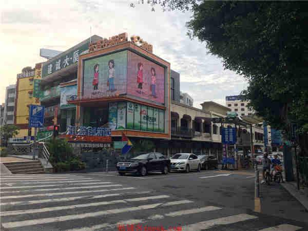 番禺广场地铁口 永旺旁1千方临街门面出租 诚邀中心餐饮进驻