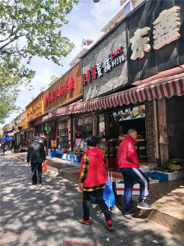 长阳路沿街门面 重餐执照 川菜火锅烧烤客流超大