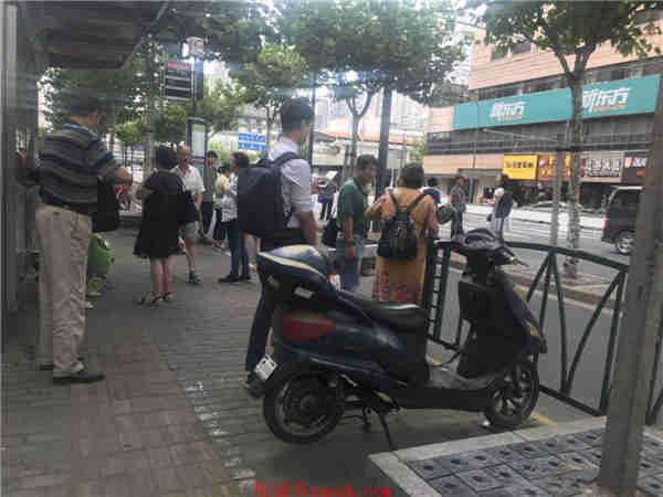浦东上南路沿街餐饮店铺 20-200不等 业态不限