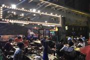 宜山路沿街 重餐门宽10米 烧烤地方菜 小区门口