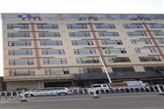 大型酒店楼下铺位,周边都是娱乐场所,便利店好位置