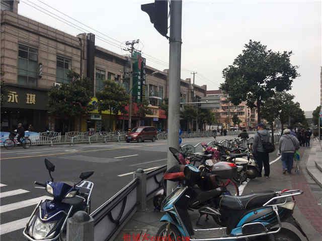 曹杨路十字路口正沿街 夜市火锅奶茶串串 重餐执照