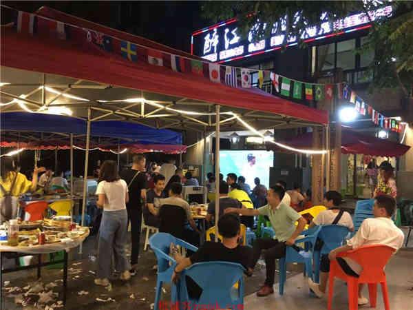 南滨路商业街特色餐饮