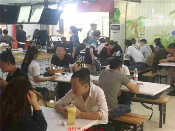 上城区龙翔桥地铁口沿街火爆人流美食档口火热招商