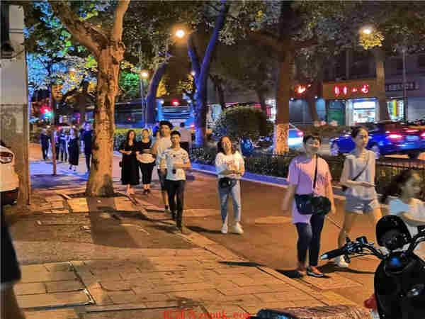 浣纱路邮电路沿街一层旺铺招租,租金便宜,人流量大
