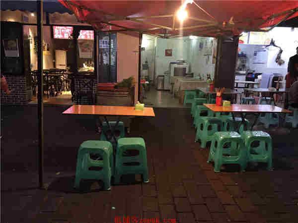 九龙坡高端小区临街主干道烧烤店转让