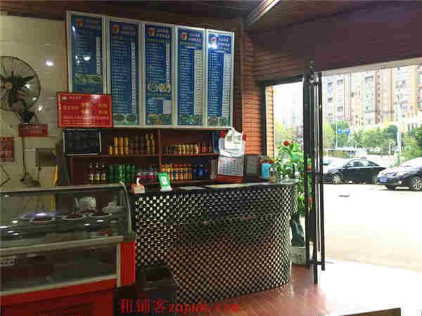 地铁口和公交站旁160㎡十年餐饮老店空转5.8万,先到先得!