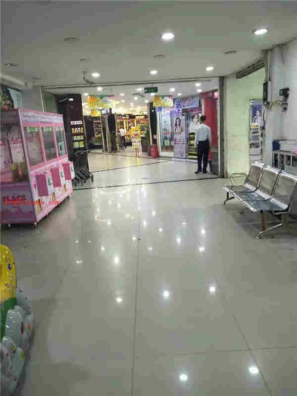 黄埔大型超市上面精装修餐馆急转