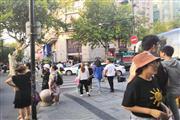 临平北大街银泰商圈 沿街十字路口美食档口 人流超大