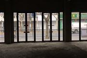 杨浦区紧邻学校正对医院无转让费沿街一楼政府项目
