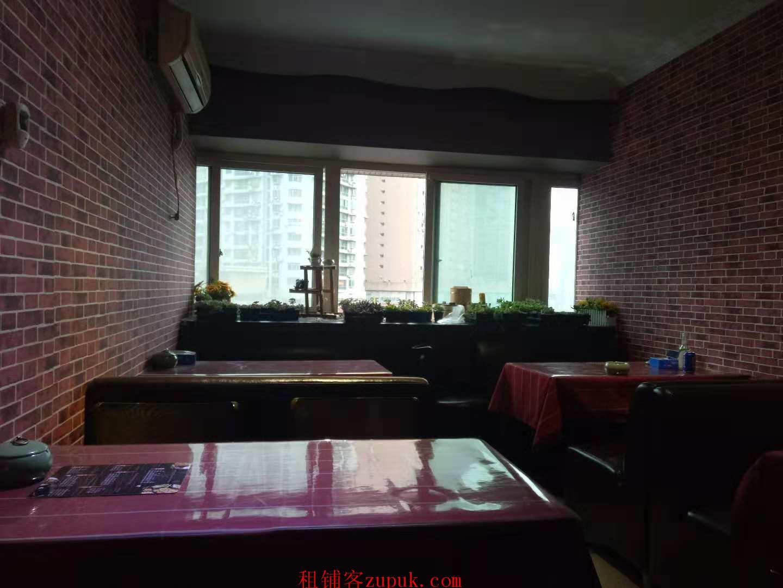 三峡广场商业街特色餐馆转让PDD