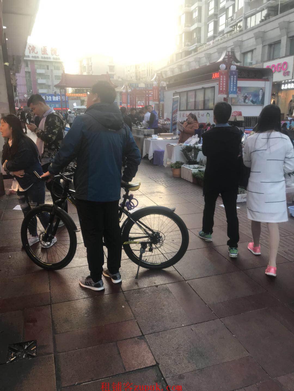 上海南站地铁出口小金铺 早餐小吃奶茶 全天人流大
