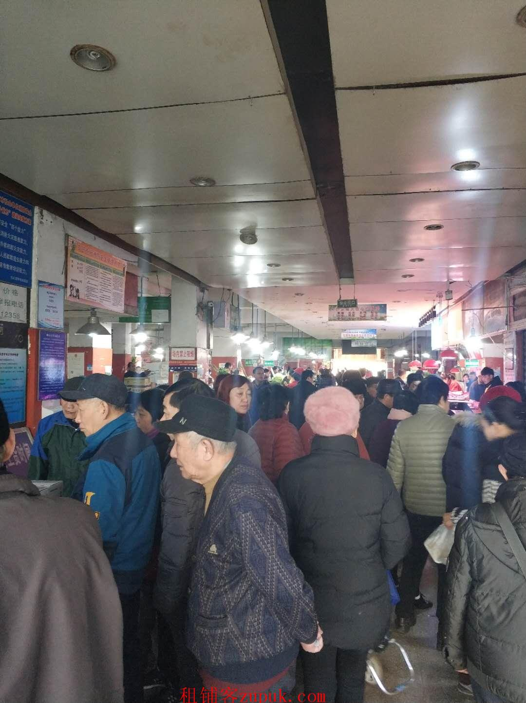来凤街集庆门菜市场正门口店面转让,地理位置好人流量大