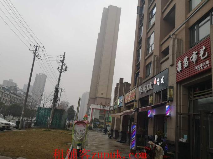 百步亭怡和西路46平米布艺家纺店转让