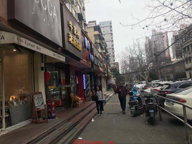 杨浦居民区配套,全天人流大,轻餐饮零 售美容美发等