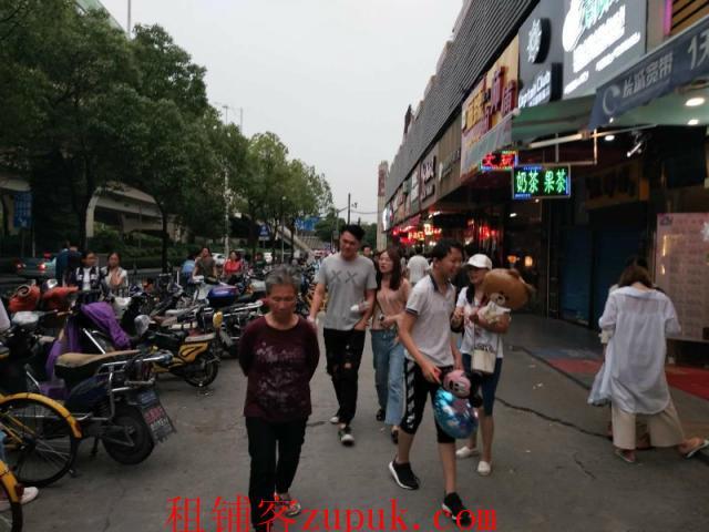 徐汇医院旁,美食城一楼旺铺出租,外卖单量日均破一千