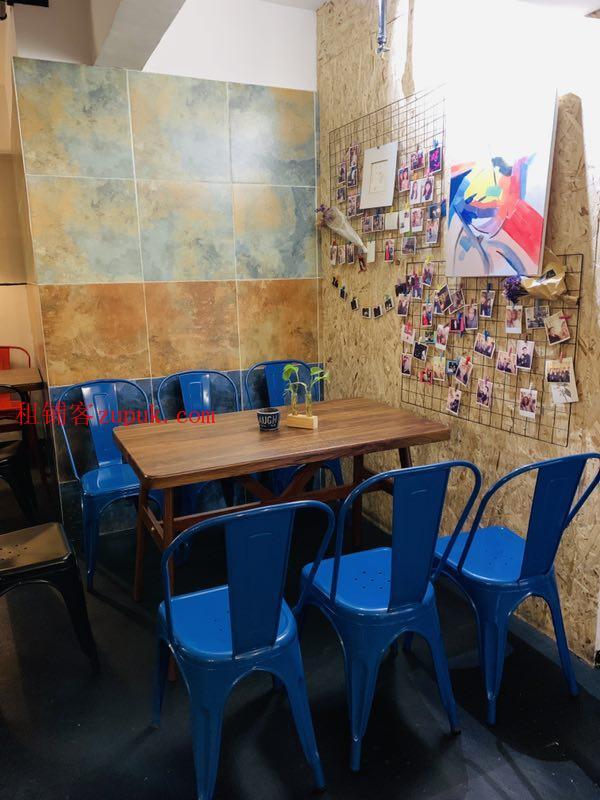 5.5万白菜价急转中央商务区105平盈利酒吧