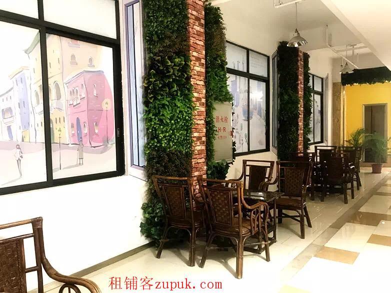 番禺广场地铁上盖46方带装修办公室出租 欢迎广告行业入驻