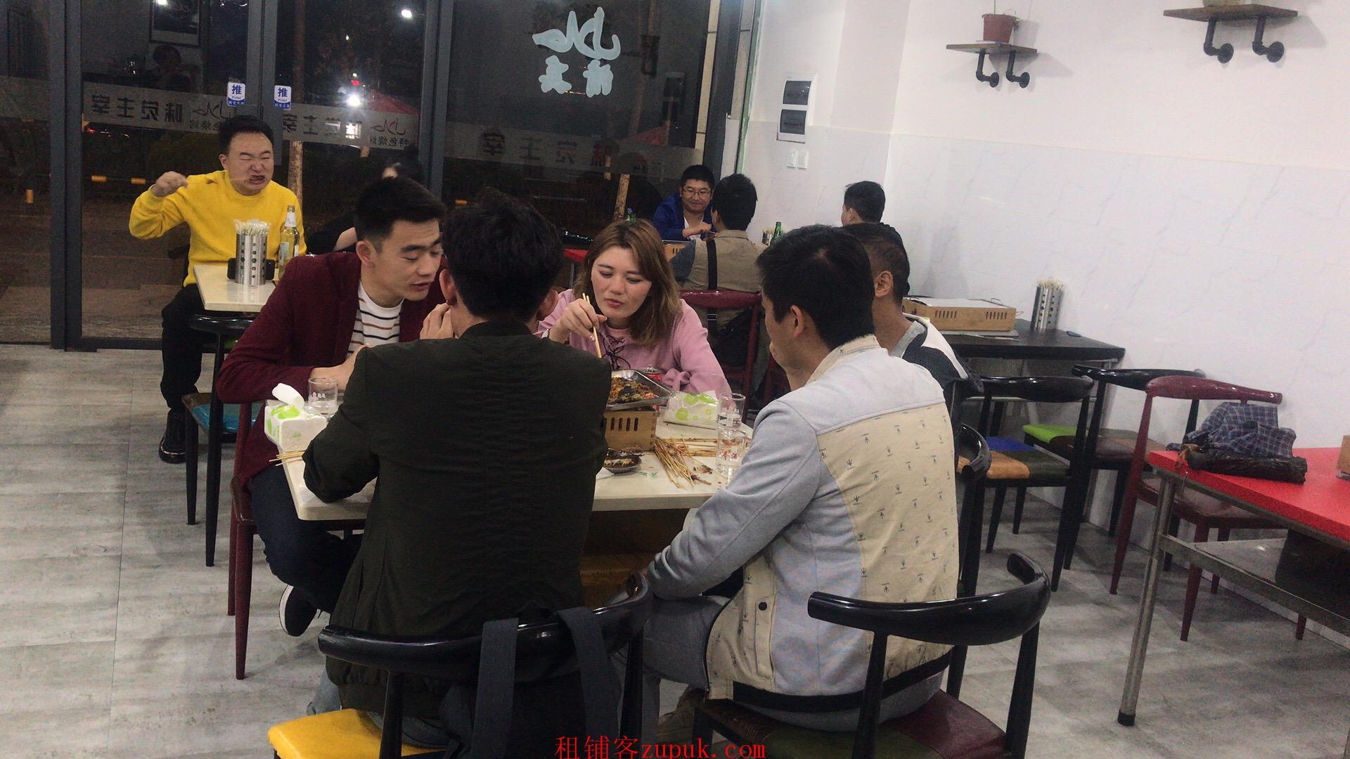 金江小区盈利餐饮店诚心转