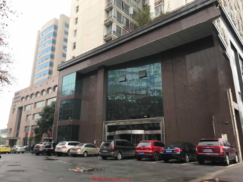 国有企业原始商铺3层裙楼出租迎宾路口