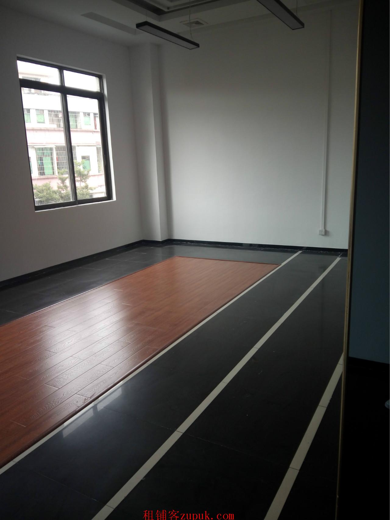番禺广场地铁口 东荟创新园85方办公室出租 诚邀科技行业进驻
