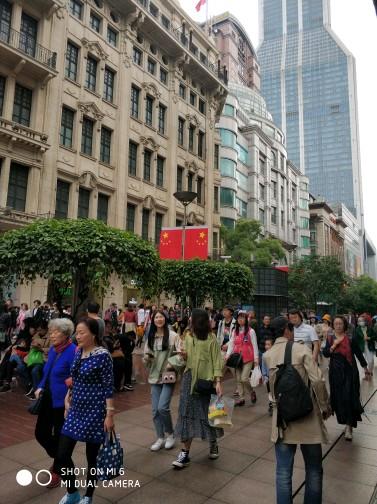 虹口西江湾路菜市场门口商铺。可餐饮