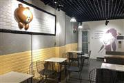 蓝天路临街旺铺50平米品牌冷饮店转让、可空转—租金月付无压力