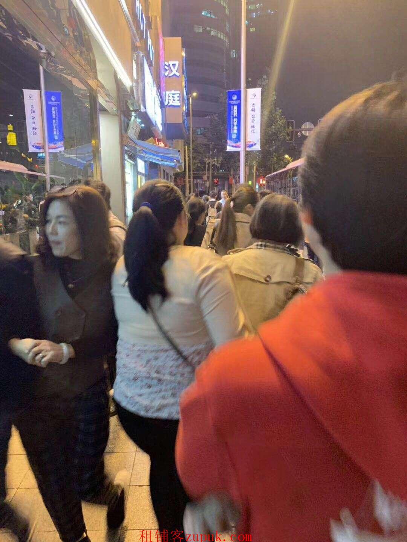 中心路沿街美食广场招商 周边大学生宿舍 业态不限!!