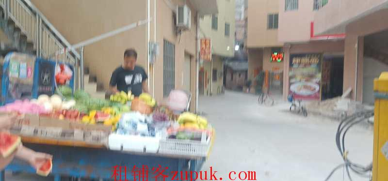 空铺招租 急急急 刚刚出来的铺位 毛坯 城中村入口