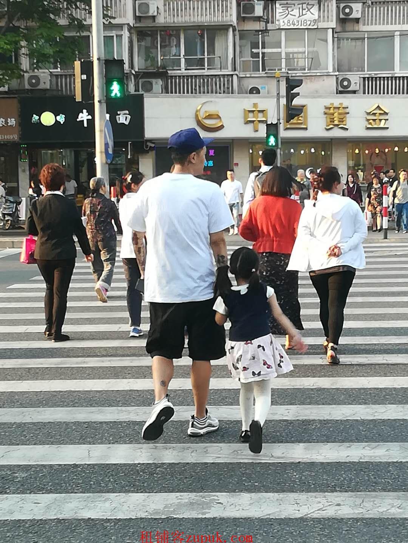 水城路沿街商铺,十字路口适合水饺 冒菜 麻辣烫等
