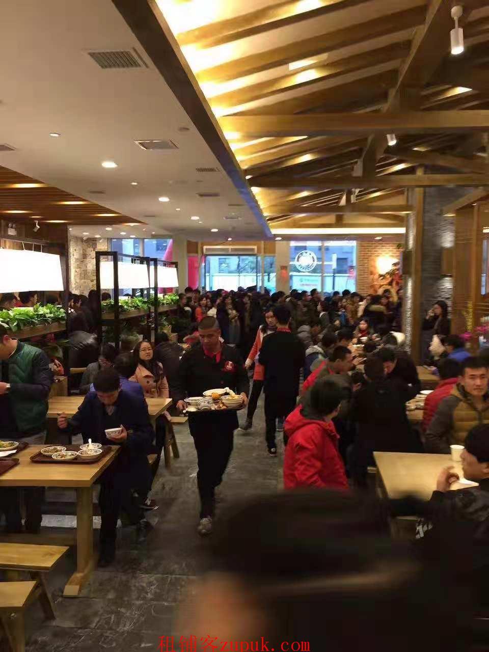 三墩三万人办公园区配套美食档口 唯一就餐点客流超大