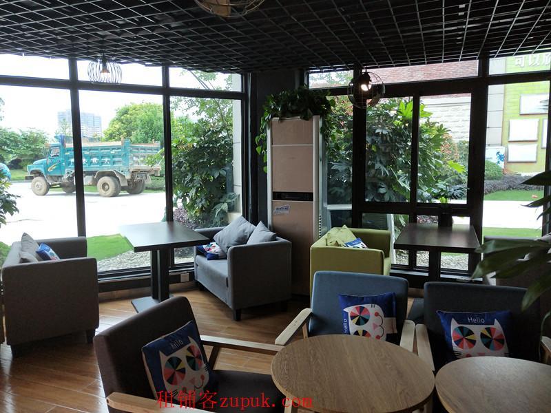 户型超棒三面落地玻璃装修精美咖啡馆生意转让