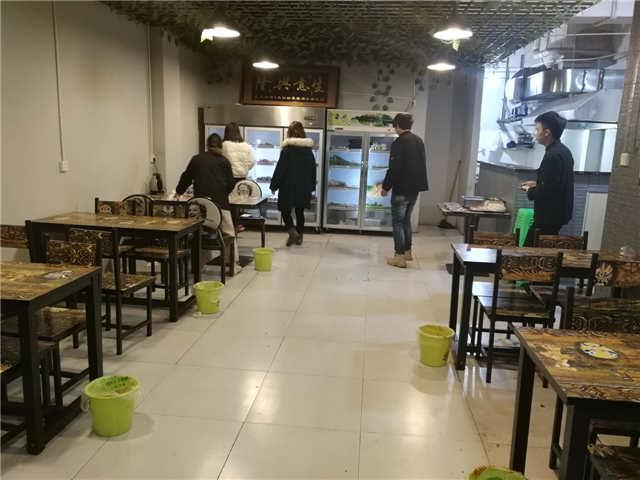 渝北区空港新城烧烤旺铺转让可做餐饮