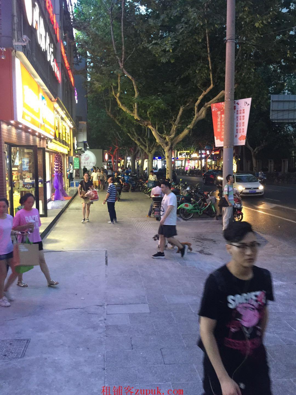 荔湾区文昌南路门面出租,可小吃、零售,业态不限