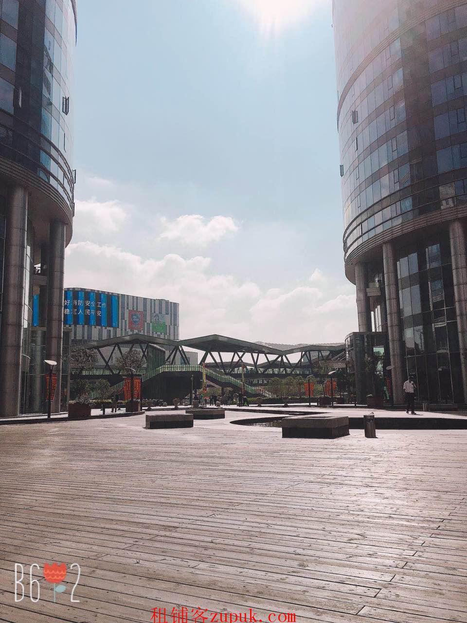 黄浦区外滩沿街小吃饮品旺铺 客流量超大 业态不限
