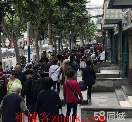 浦东港城路站地铁口沿街重餐饮非餐饮轻餐饮直租无转让费!